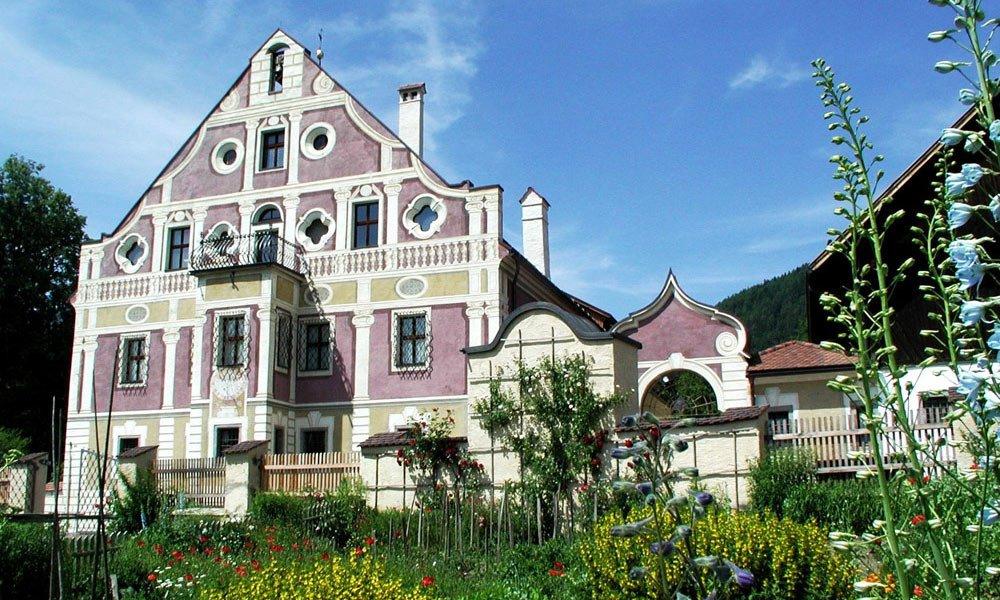 Museo degli Usi e dei Costumi dell'Alto Adige a Teodone